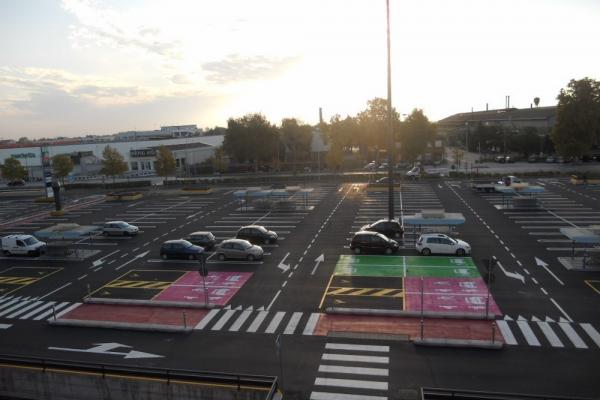 vernice linea acrilica velecenter parcheggio 1